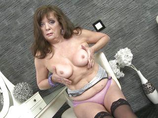 Порно фото старых в чулках