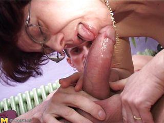 Порно видео брюнетки с короткой стрижкой