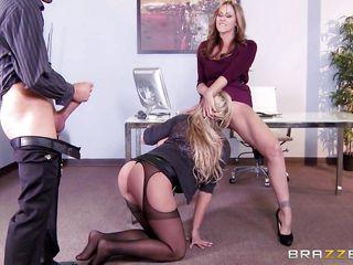 Порно жена на работе